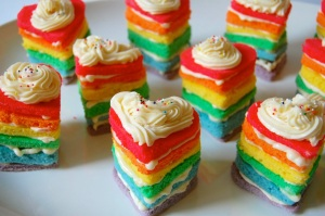 rainbow_heart_cakes_rainbow_party