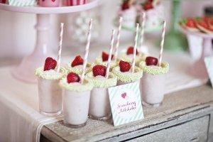 milkshake-morango-acasacheia