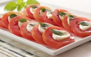 salada+caprese+acasacheiajpg