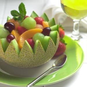 salada-de-frutas-na-fruta-acasacheia