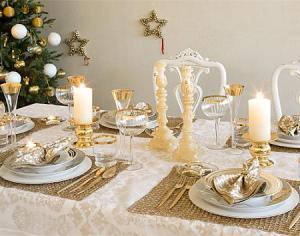 mesas-decoração-natal-dourado-marrom-bege-branco-creme-vermelho-8